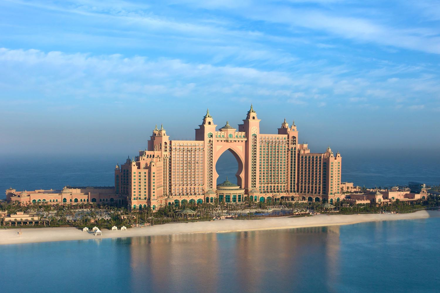 Contest spin to win a 5 night stay for 8 people at for Where to stay in dubai