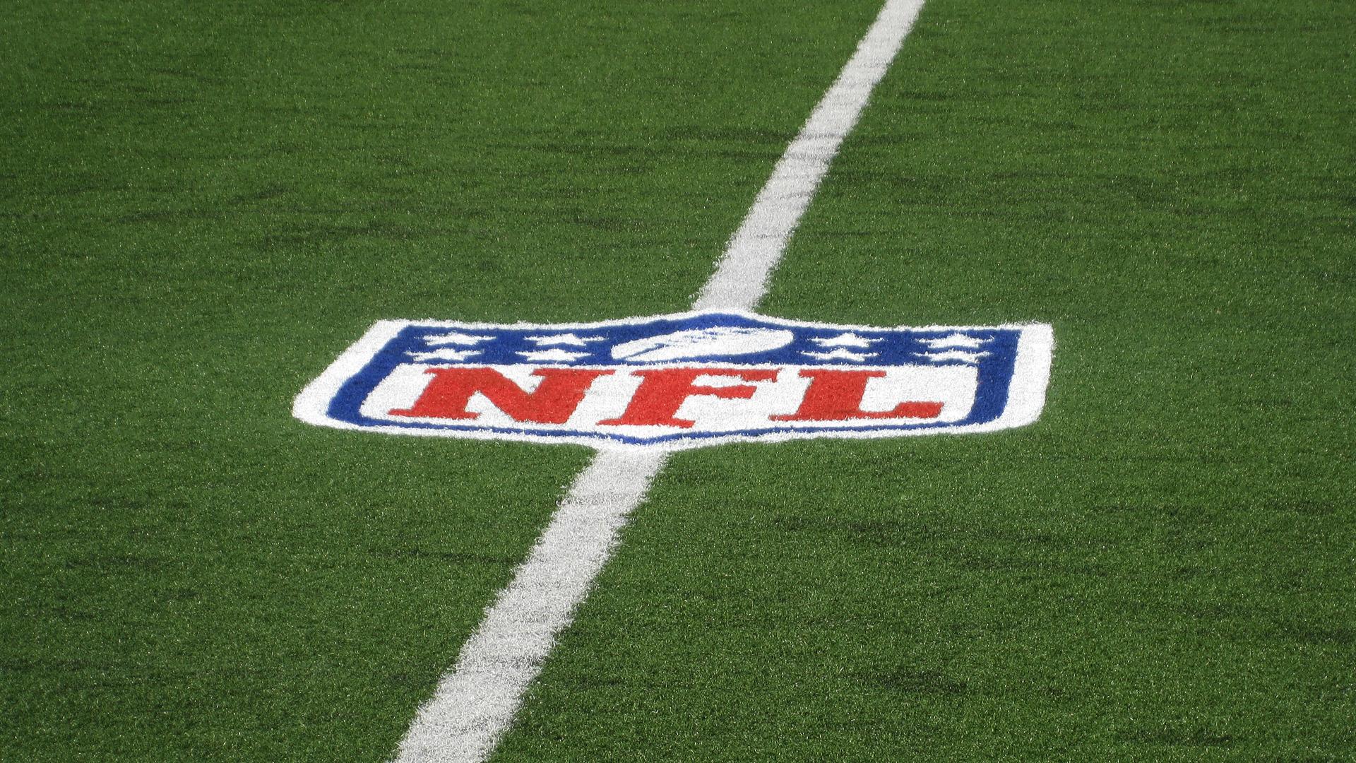 Nfl football field background imagenfl field logo hd sports football free 1600x1200px hd - Football field wallpaper hd ...